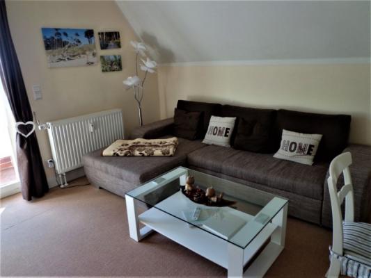 schlafcouch-im-wohnzimmer