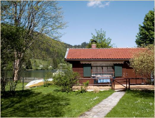 Ferienwohnung am Schliersee Gallerie Appartement mit Seeblick Häuschen