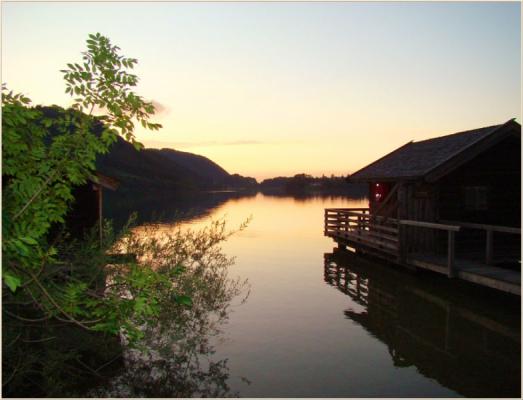 Ferienwohnung am Schliersee Galerie mit Bergblick Abendsonne im See