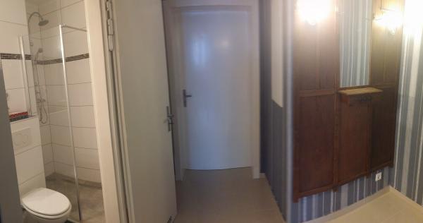 travellingingermany_apartment_Solingen_Bad_Flur