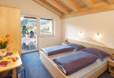 travellingingermany_appartement_ttirol_nauders_bett