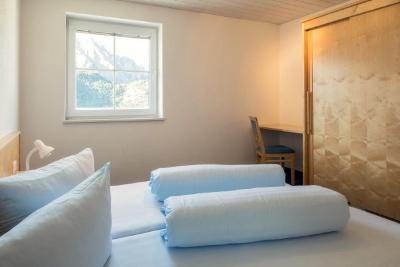 travellingingermany_appartement_ttirol_nauders_fenster