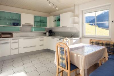 travellingingermany_appartement_ttirol_nauders_kuechenfront