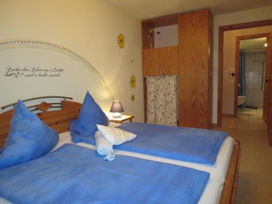 Bauernhofurlaub-Nordsee-Ferienhof-Landfrieden-Vollerwiek-Ferienwohnung-Blanker Hand-Schlafzimmer