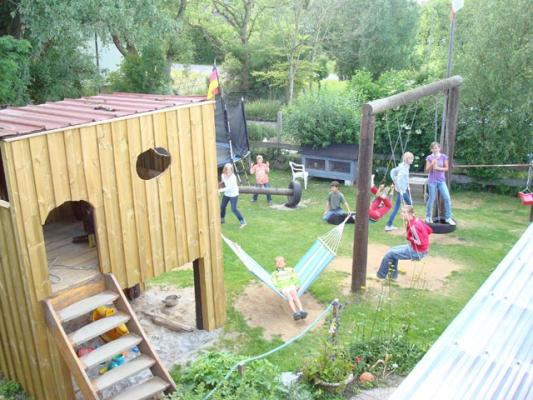 familienurlaub-bauernhof-Spielplatz (1)