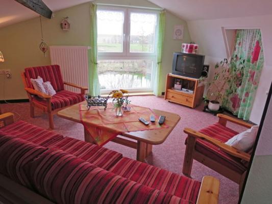 ferienhof-landfrieden-vollerwiek-ferienwohnung-deichgraf-Wohnzimmer_2