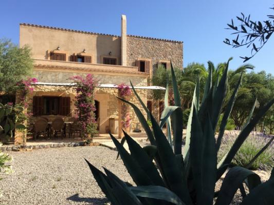 Romantische Naturstein Finca auf Mallorca Haus mit Agarve