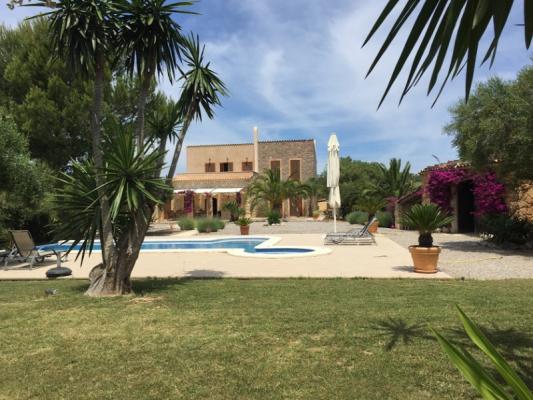 Romantische Naturstein Finca auf Mallorca Haus weit