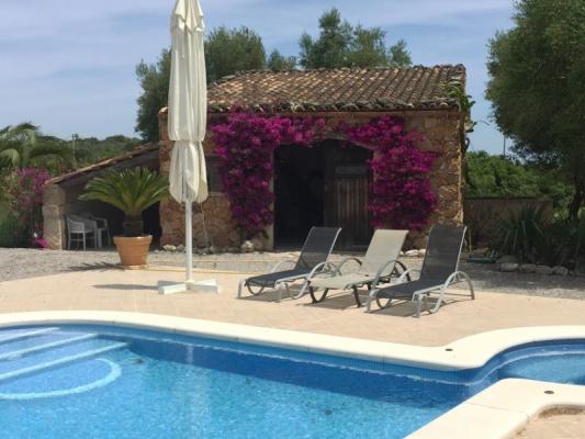 Romantische Naturstein Finca auf Mallorca Pool nah