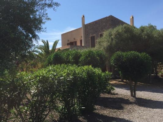 Romantische Naturstein Finca auf Mallorca Garten