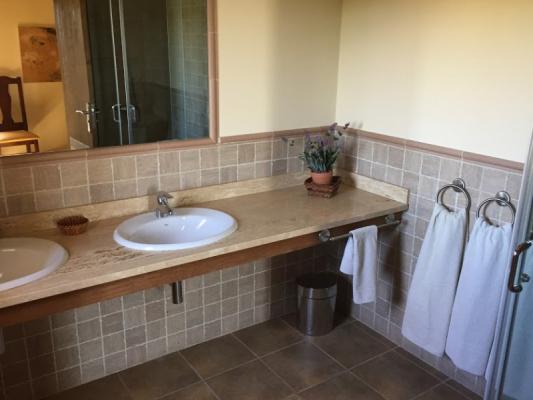 Romantische Naturstein Finca auf Mallorca Waschbecken
