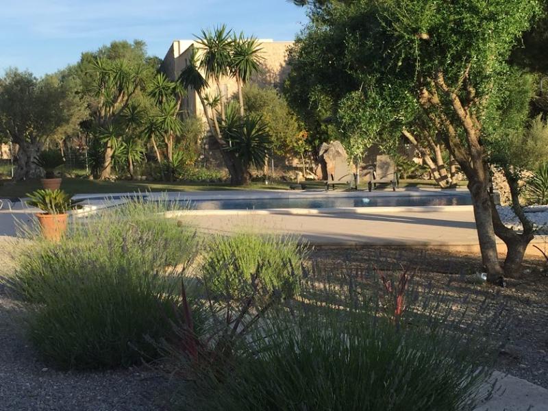 Romantische Naturstein Finca auf Mallorca Gartenbereich