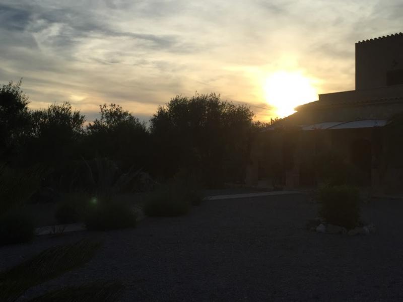 Romantische Naturstein Finca auf Mallorca Sonnenuntergang