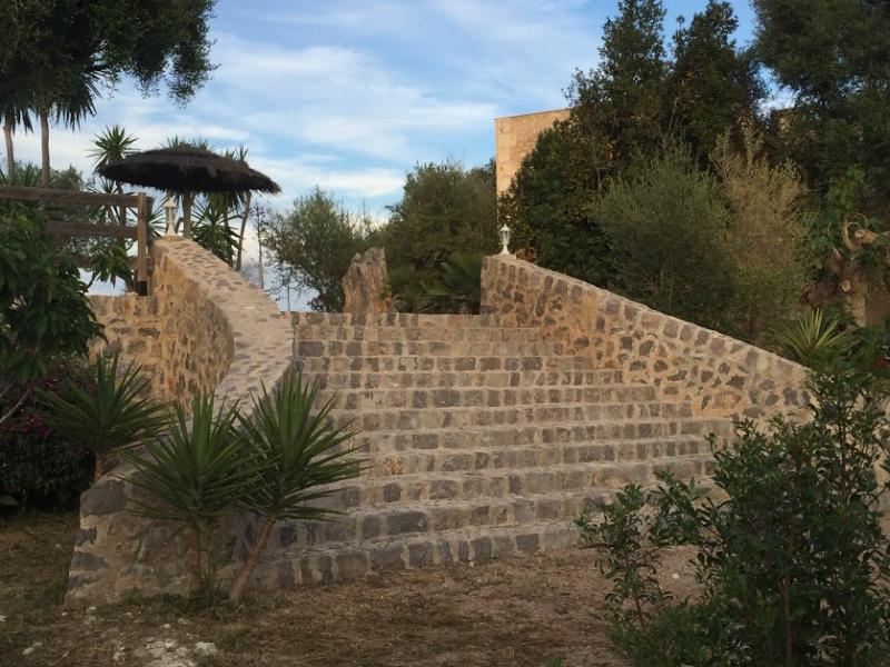 Romantische Naturstein Finca auf Mallorca Treppenaufgang