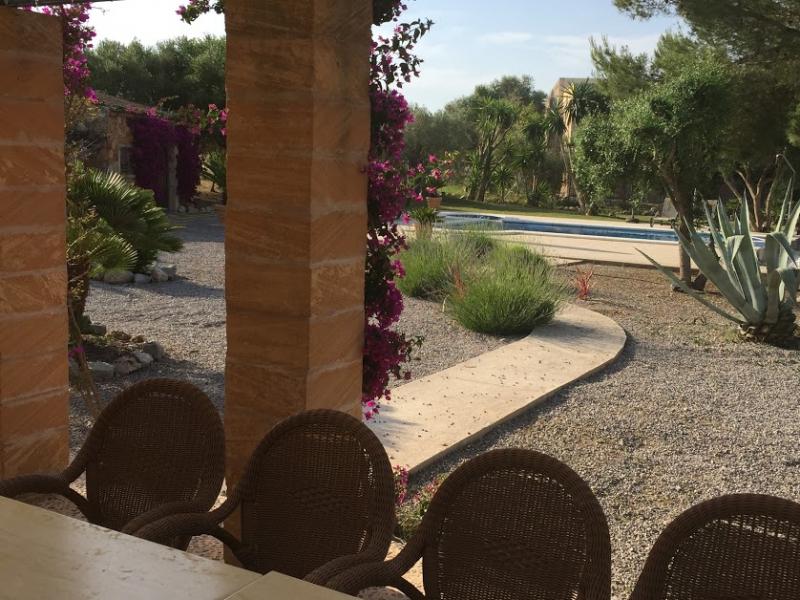 Romantische Naturstein Finca auf Mallorca Blick vom Fenster