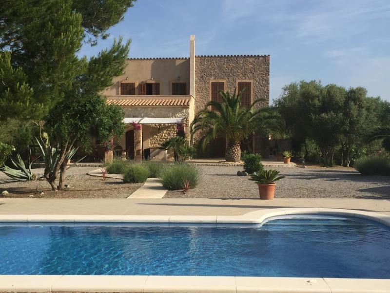 Romantische Naturstein Finca auf Mallorca Blick auf das Haus