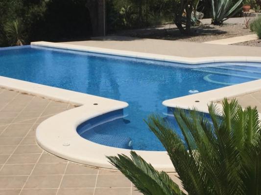 Romantische Naturstein Finca auf Mallorca Pool mit Agarve