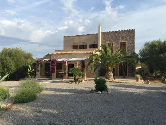 Romantische Naturstein Finca auf Mallorca Haus mit Platz