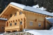 Chalet in Tirol mit Schnee