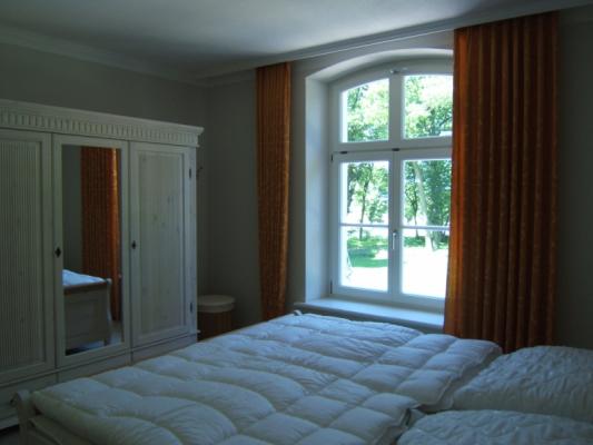 Schloss Appartement an der Ostsee Schlafzimmer1