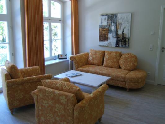 Schloss Appartement an der Ostsee Wohnzimmer2