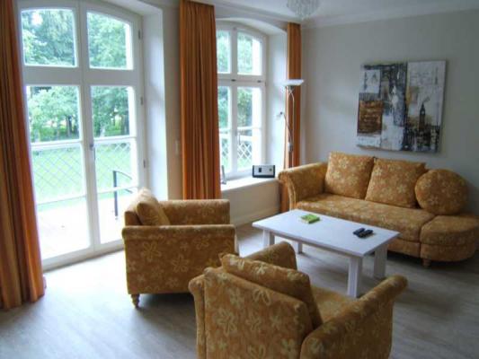 Schloss Appartement an der Ostsee Couch