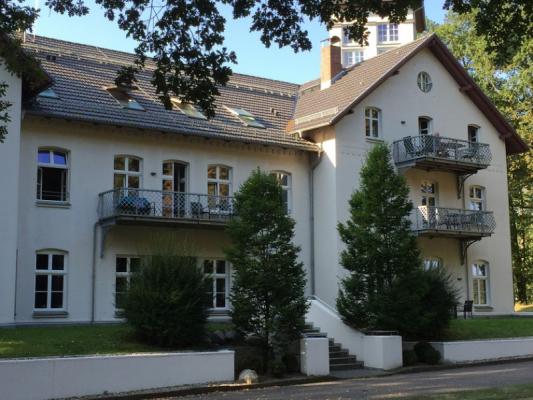 Schloss Appartement an der Ostsee Hausfront