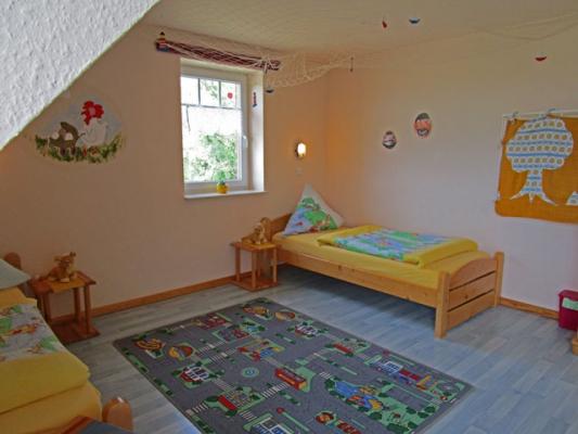 ferienhof-landfrieden-vollerwiek-ferienwohnung-meerjungfrau-Kinderzimmer