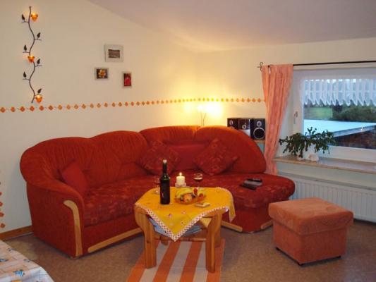 ferienhof-landfrieden-vollerwiek-ferienwohnung-schimmelreiter-Wohnzimmer
