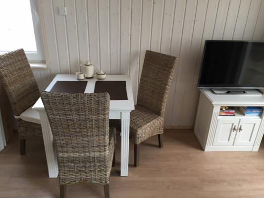 Ferienhaus Olpenitz mit 2 Zimmern tisch